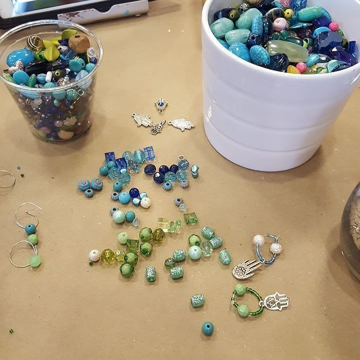 """Loved having you in today!! RepostBy @jewphx: """"Feeling crafty at @pinspirationaz making some wine charms. Lots of great art projects to choose from and cute gift ideas. Check back next week for a blog about all the Judaica inspired pieces!"""" jewphx#jewphx #getyourphx #myphx #jewish #jewishblogger #azblogger #jewishaz #jewishphoenix #jewishscottsdale #art #pinterest #feelingcrafty #crafting #winecharms #diy #funafternoon #girltime #community #local #jewishart #jewishcrafts #judaica #hamsa…"""