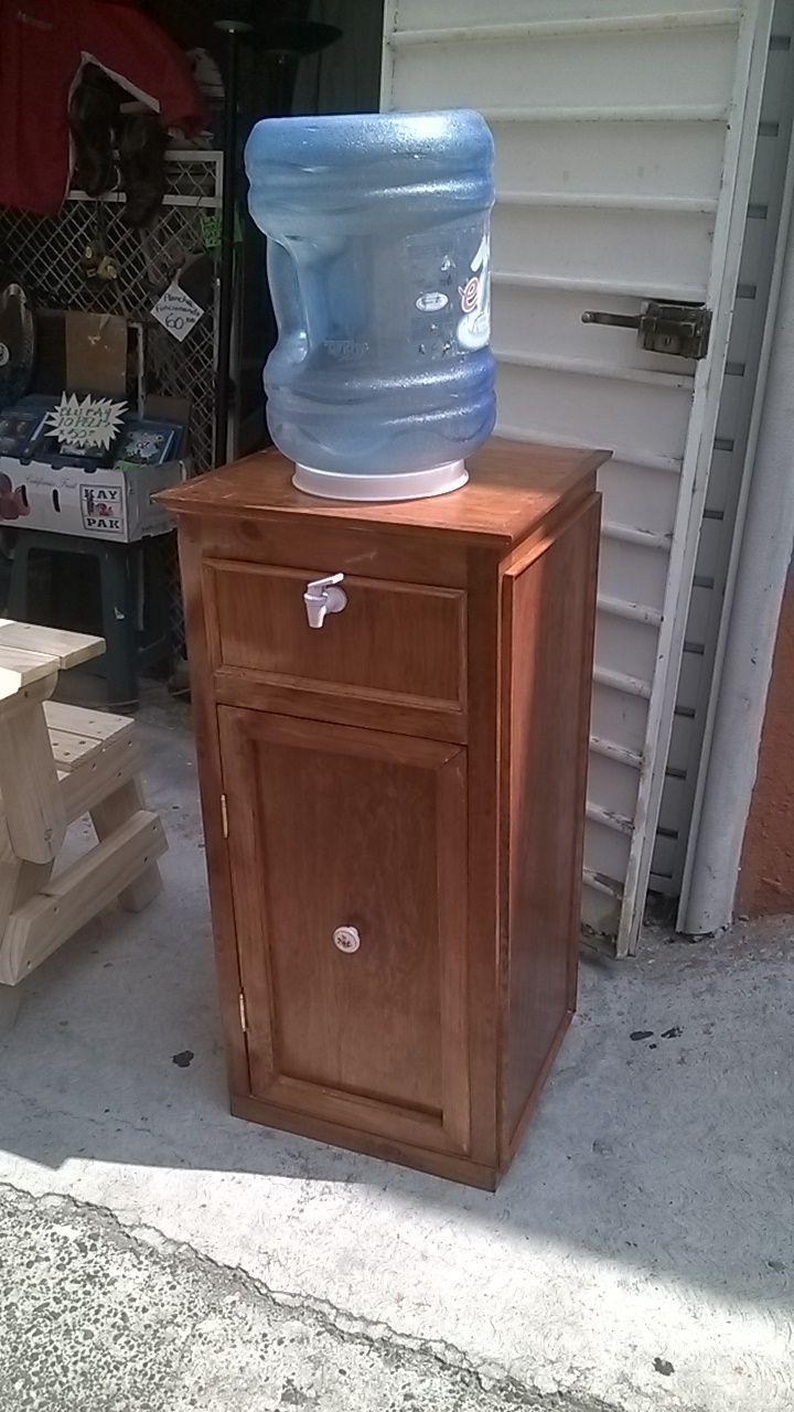 Water dispenser portagarrafon mueble de madera solida y for Muebles con cajones de madera