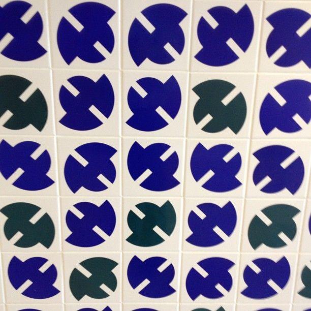 foto de azulejos do Athos Bulcão do Instagram do @betoacp
