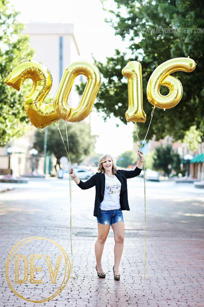 Senior Photos with balloons! www.devonjimagery.com www.devonjblog.com Copyright 2016 Devon J. Imagery
