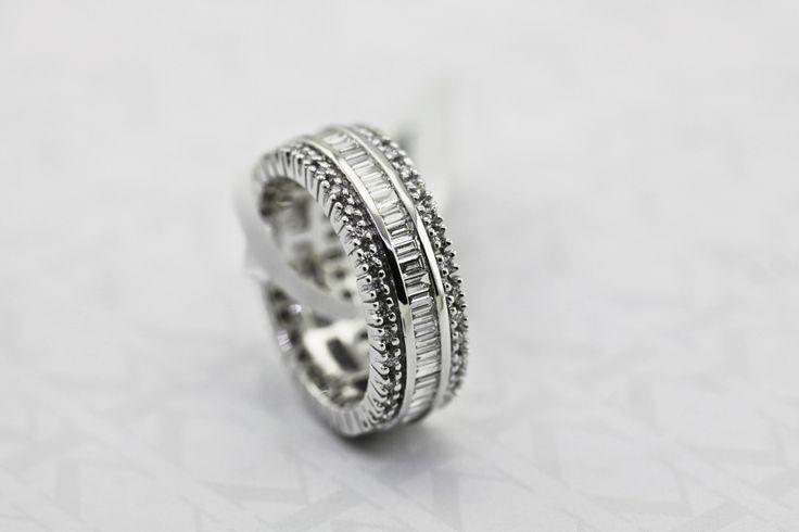 Diamond Ring by Kalfin jewellery #kalfinjewellery #Kalfin #diamonds #baquettediamonds #design #detail #diamondrings #diamondjewelery #jewellers #cbdjewellery #Melbourne #collinsst #custommaderings #handmade #custommade #engagementrings #weddingbands #gentsrings #lovely #beauty #look #like #cool #picoftheday #follow #photooftheday #followme #wedding #bride #giftidea #present #Christmas #lovely #weddignrings #rings #fashionbloggers #stylebloggers #fashionista # #diamondjeweller #couture…
