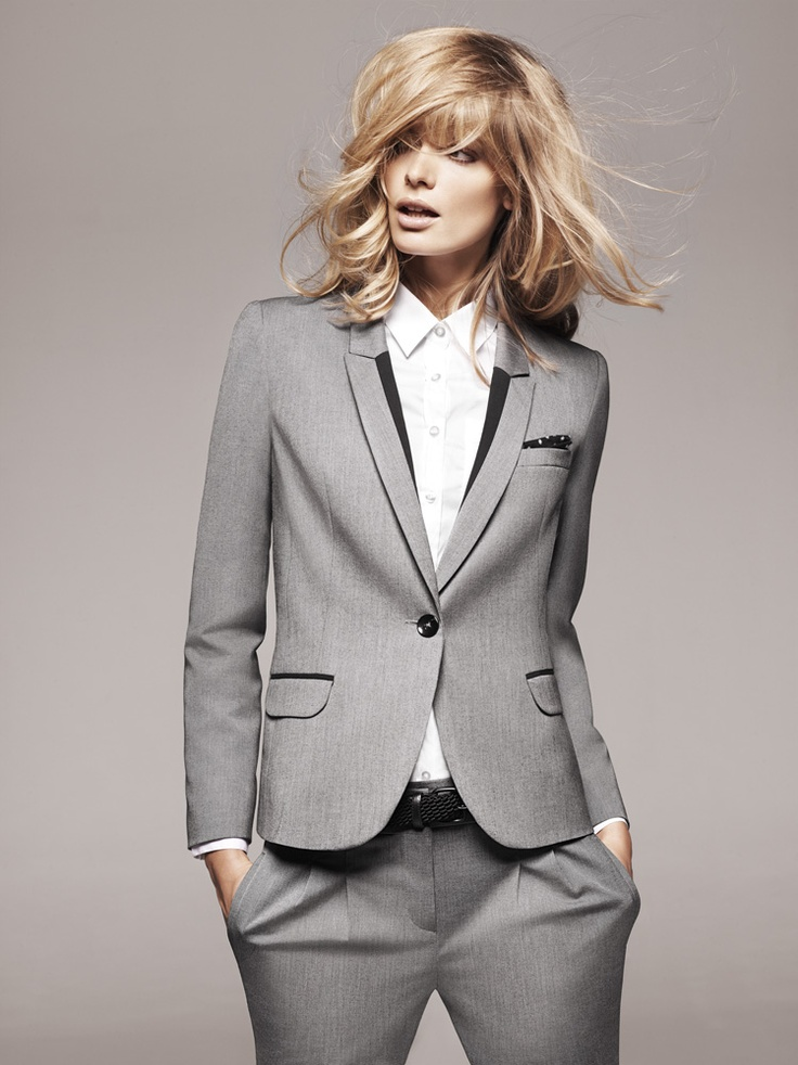 1.2.3 Paris - Collection printemps-été 2012 - Veste Valerie / Chemisier Talice / Ceinture Emy / Pantalon 7/8 Fleurette #suit #tailleur #grey #gris #chemisier #blanc #white #mode #fashion #123paris #123 #casual #chic #elegance