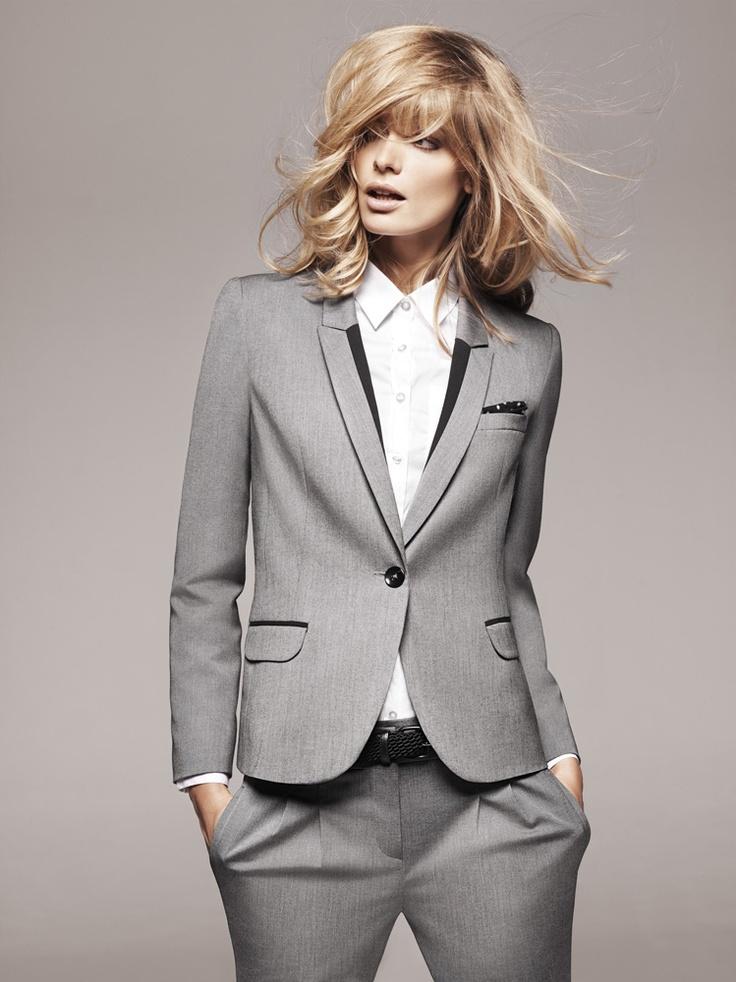 1.2.3 Paris - Collection printemps-été 2012 - Veste Valerie / Chemisier Talice / Ceinture Emy / Pantalon 7/8 Fleurette #suit #tailleur #grey #gris #chemisier #blanc #white #mode #fashion #123paris #123 #casual #chic #elegance