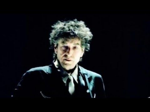 """Bob Dylan: 5 Great live versions of """"Shooting Star"""" – Seen a shooting star tonight Slip away Tomorrow will be Another day Guess it's too late to say the things to you That you needed to hear me say Seen a shooting star tonight Slip away"""
