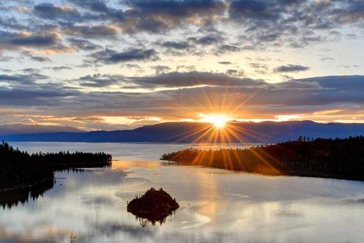 Official Lake Tahoe Visitor Bureaus