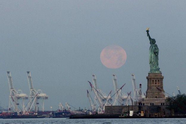 La luna gigante a New York