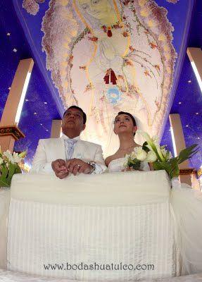 Realiza tu ceremonia religiosa en la Iglesia de Nuestra Señora de Guadalupe es ideal para tu boda en playa por Bodas Huatulco