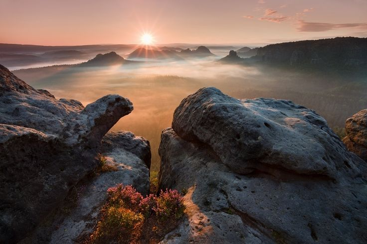 "500px / Photo ""Sunrise on the rocks"" by Daniel Řeřicha"