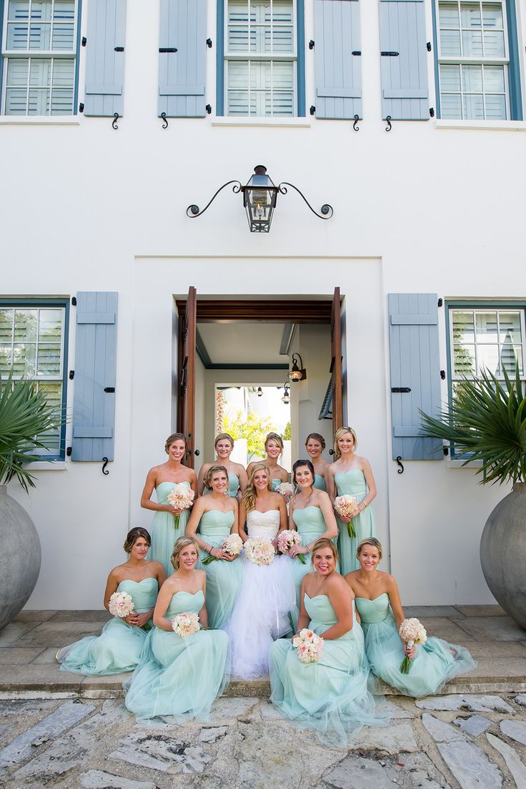 bridesmaids in seafoam green Monique Lhuillier dresses / photo by alishacrossleyphotography.com