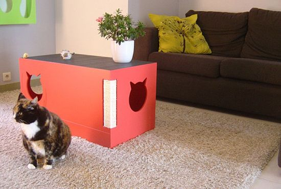 Gorgeous cat friendly coffee table. Ours already hang out under the two-level coffee table we have but this is so cool!! Why do all the cool cat things come from/only ship to other countries??