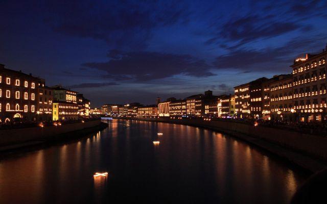 Curiosità La Festa della Luminara di San Ranieri Meteo e Curisoità La Luminara di San Ranieri (vernacolo pisano per «luminaria») è una festa cittadina che si svolge a Pisa la sera del 16 giugno di ogni anno, vigilia di San Ranieri, patrono della ci #luminara #pisa #italia