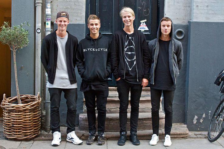 2015-05-10のファッションスナップ。着用アイテム・キーワードはキャップ, スニーカー, デニム, パーカー, ブルゾン, 黒パンツ, Tシャツ, ~20代,MA-1, Nike(ナイキ), ニューバランス(New Balance)etc. 理想の着こなし・コーディネートがきっとここに。| No:106951