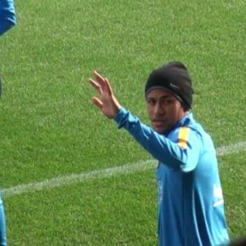 Ney brincando com um grupo de japoneses que estavam na arquibancada para assistir o treino ❤⚽ #Neymar #NeymarJr #Njr #FcBarcelona #Treino