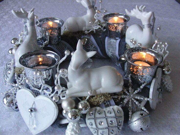 Adventskranz weihnachtsdeko hirsche im winterwald von for Vintage weihnachtsdeko
