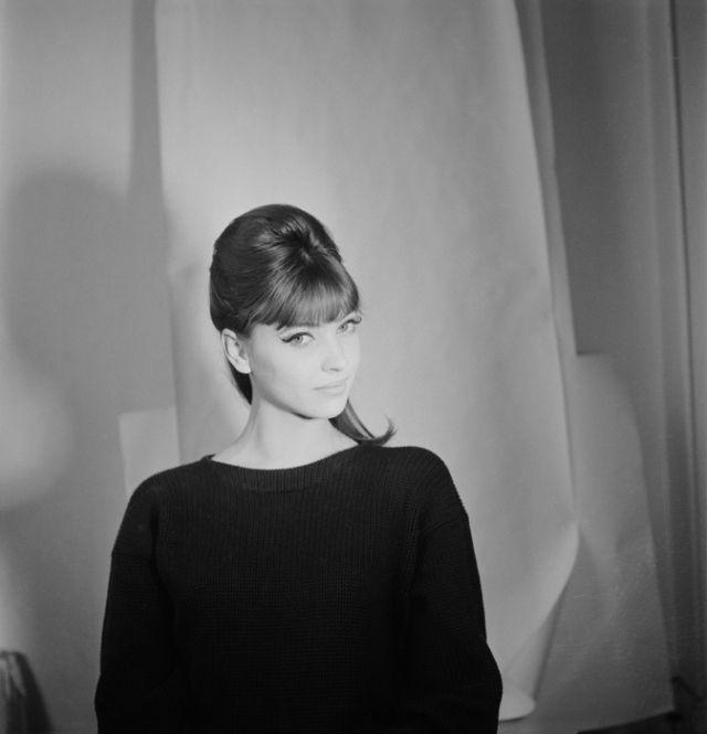 Anna Karina, sixties cat eye master