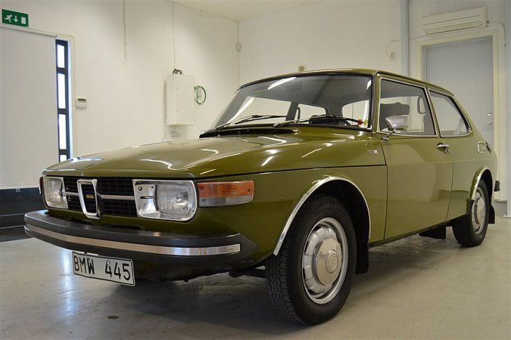 Fantastiskt fin och orenoverad Saab 99 -73A med den svenskbyggda 2.0 motorn som kom 1973 (tidigare modeller hade Triumph motor). Besiktigad till 2018-06-30.Skattebefriad samt besiktning endast vartannat år.  Ägd inom samma familj, endast 2 ägare på 4...