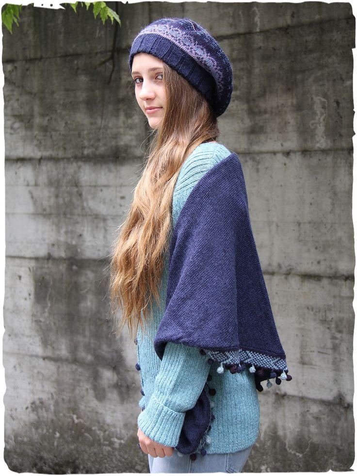 Keffia alpaca scarf #color tonality bullets #fringed #triangularscarf #alpaca #winterscarf #woolscarf #sciarpalana #sciarpainvernale