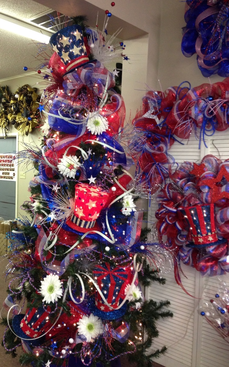 Purple and red christmas decorations - Patriotic Tree
