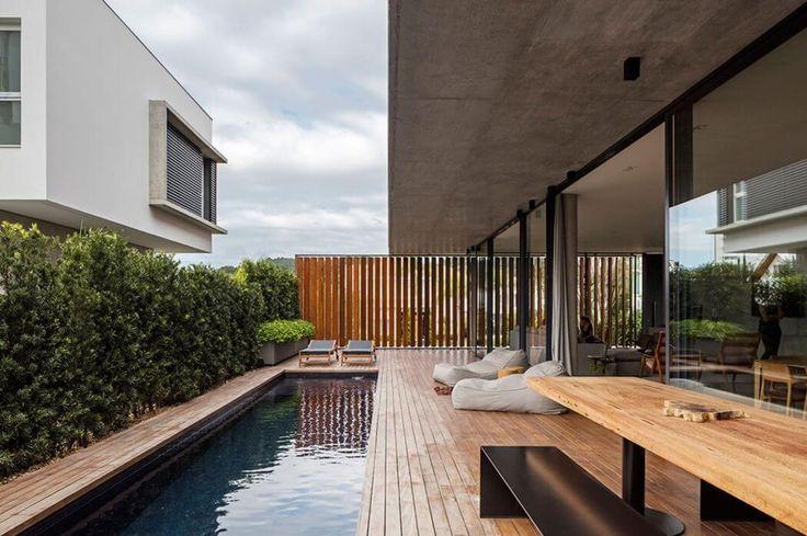 House in Itajaí by Jobim Carlevaro Arquitetos | HomeAdore