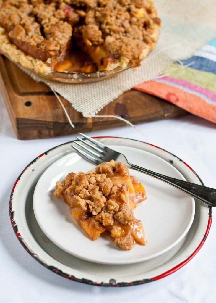 Easy homemade fresh peach ginger crumble pie