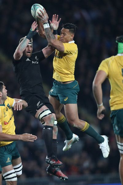 Kieran Read Photos Photos - Kieran Read of the All Blacks and Israel Folau of the Wallabies contest the ball during the Bledisloe Cup Rugby Championship match between the New Zealand All Blacks and the Australia Wallabies at Eden Park on October 22, 2016 in Auckland, New Zealand. - New Zealand v Australia