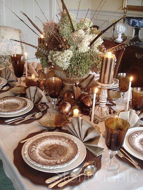 Lovely...e n t e r t a i nt a b l es c a p e s ¸.❧°❦⁀° / Thanksgiving Table Setting