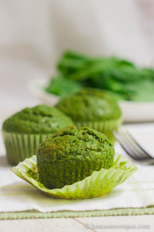 Spinach Muffins | http://laurassweetspot.com use non-dairy milk to veganise