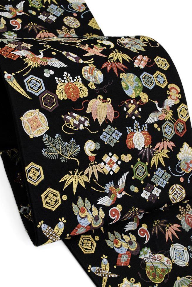 ◎≪優しい古典柄!≫ 山下織物謹製 正絹西陣袋帯 「招福宝尽くし」(黒色)
