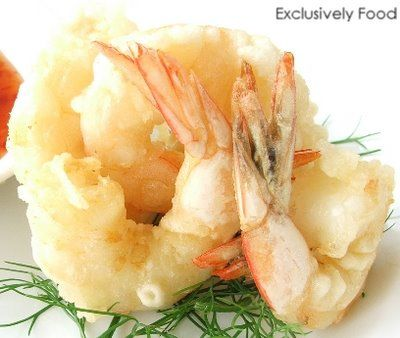 Exclusively Food: Tempura Prawns Recipe:   AIRFRYER DIRECTIONS. Drain prawns well after dipping in batter and cook in preheated airfryer for 5 to 8 minutes till prawns are pink and batter is crisp. Keep warm in heated oven while doing next batch. (Don't let prawns overlap in airfryer)
