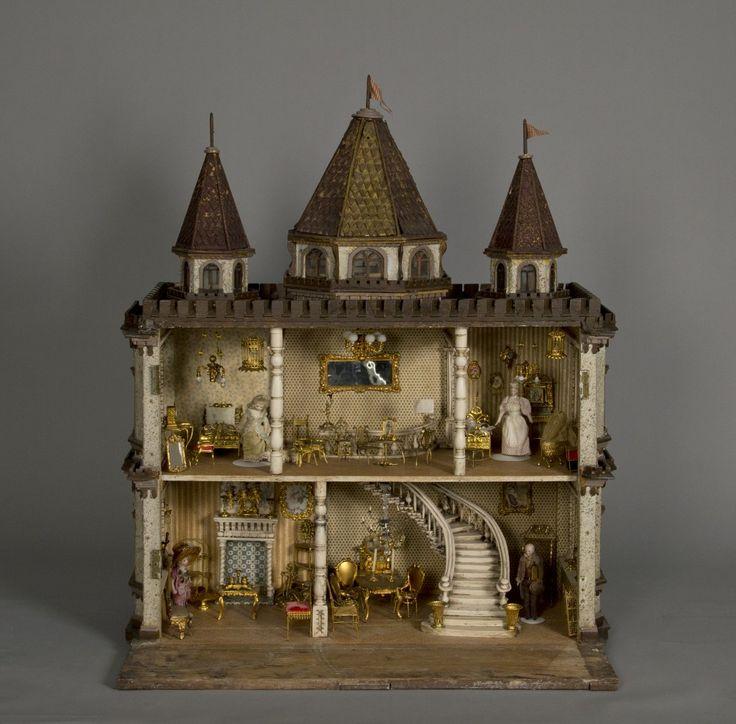 Doll castle