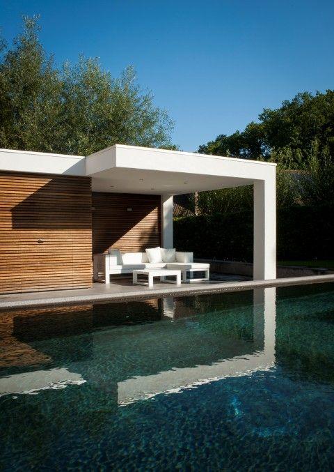 17 beste idee n over zwembad ontwerpen op pinterest zwembaden zwembaden achtertuin en zwembaden - Houten strand zwembad ...