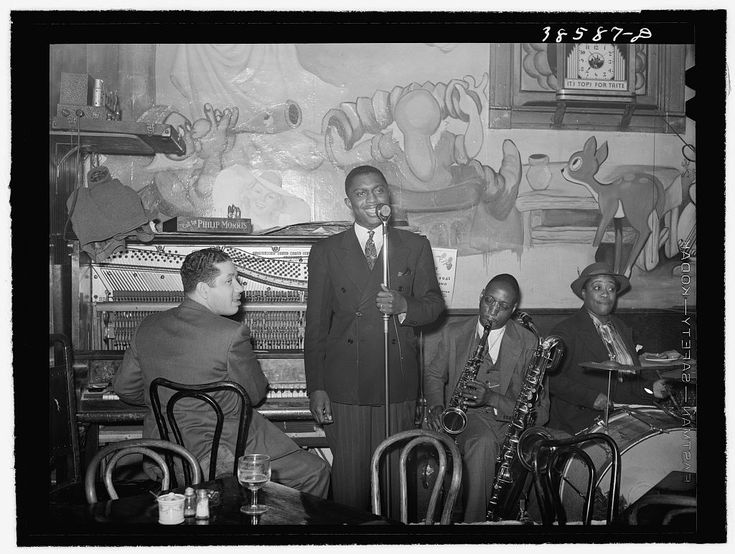Tavern on southside of Chicago, Illinois. 1941 Apr. Library of Congress.