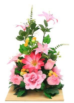 Arreglo floral para centro de mesa. Manualidades