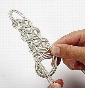 Gevlochten leren armband   DIY handleiding
