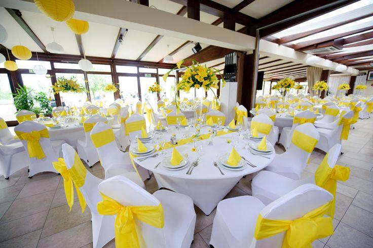 wedding decoration white and green esküvő dekoráció sárga és fehér