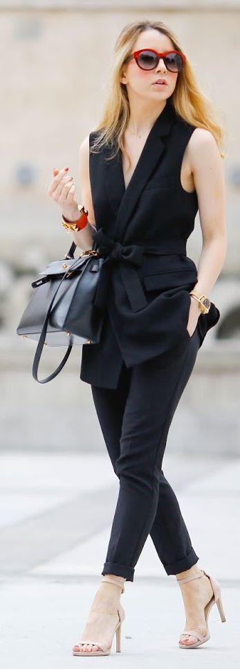 all black sophisticated outfit