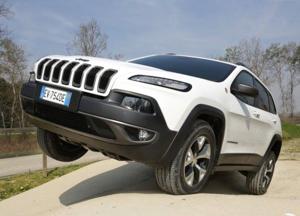 2014 Jeep Cherokee EU Version Wallpapers 600x433 2014 Jeep Cherokee EU Version Full Review Details