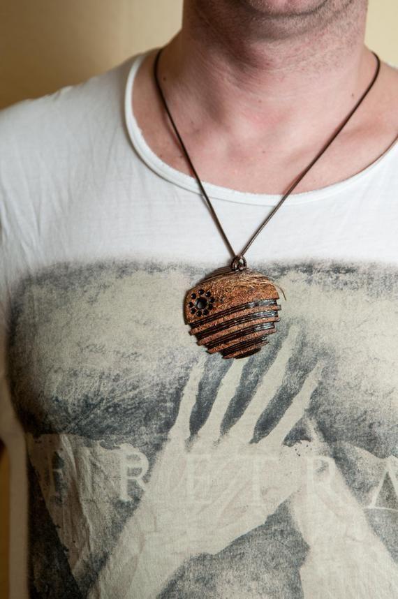 Hombre joyería de cáscara de coco, diseño único para el ...