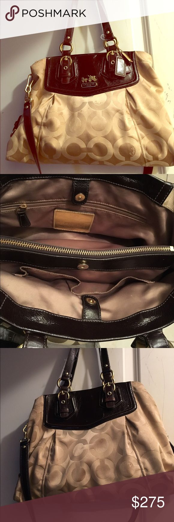 Authentic coach purse Authentic coach purse in good condition just needs cleaning Coach Bags Shoulder Bags