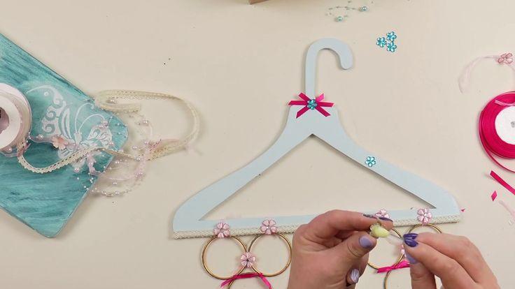 wieszaki, Ornamental hangers