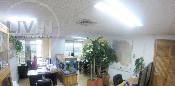 #Oficina para #arriendo ubicada en la calle de la Buena Mesa en El Poblado. Excelente ambiente, con parqueadero y cuarto útil #ArriendoLivin #Livin. Más info>> http://goo.gl/1q7b1q