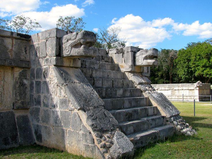 https://flic.kr/p/tMXzUh | Plataforma de Águilas y Jaguares, Chichén Itzá | Yucatán, México
