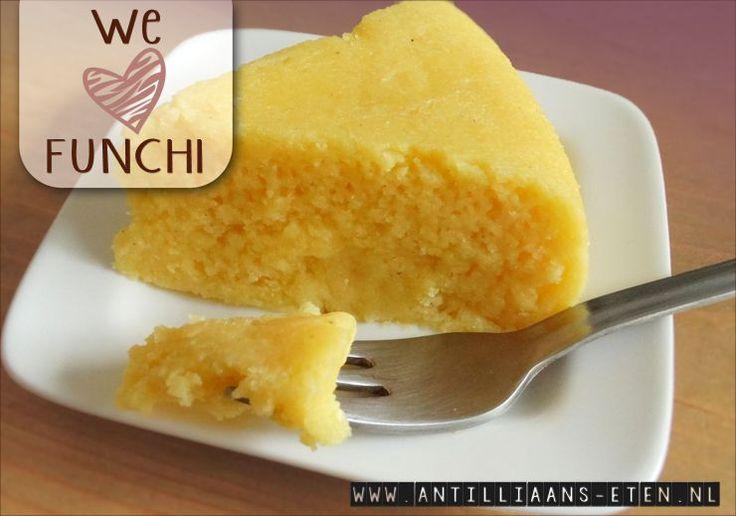 Funchi wordt op de Antillen veel gegeten in plaats van rijst of aardappelen. Het is een stevige massa van gekookt maïsmeel dat van zichzelf niet veel smaak heeft, maar daardoor juist uitstekend is …