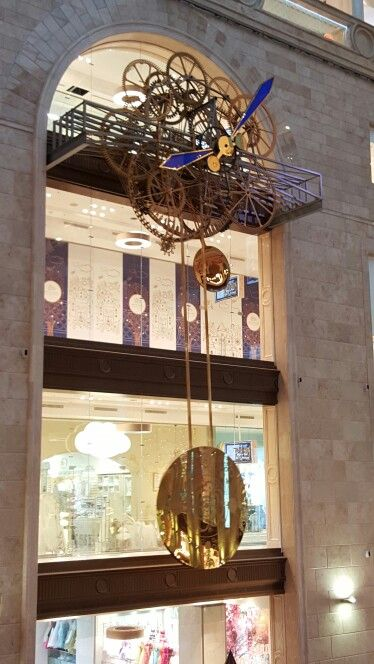 Soo cool clock in Detskii Mir in Moscow