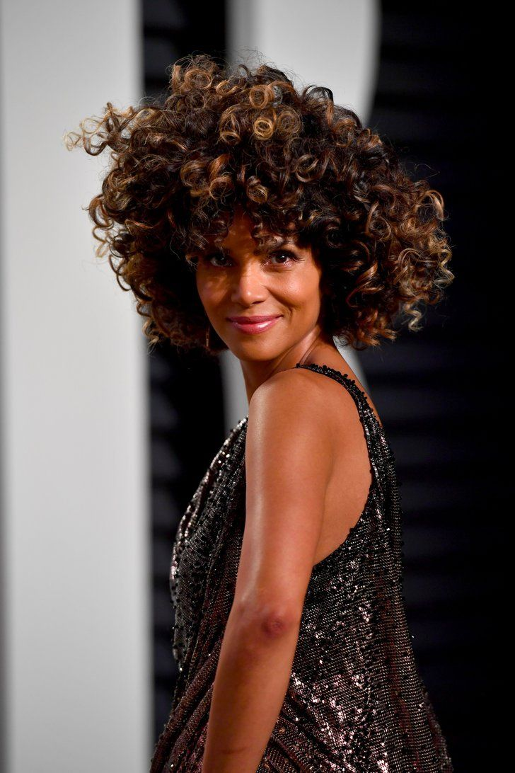 Halle Berry's Oscars Night, From Steaming Up the Red Carpet to Stripping Down For a Swim