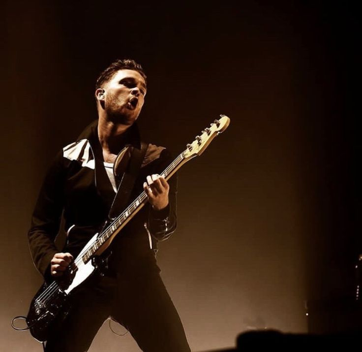 Mike Kerr Royal Blood  (Photo by Asagai Images)