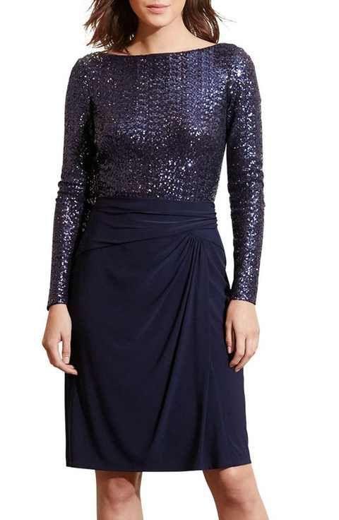 Vestido recto de una sola pieza que parece dos de Ralph Lauren cubierto con lentejuelas.