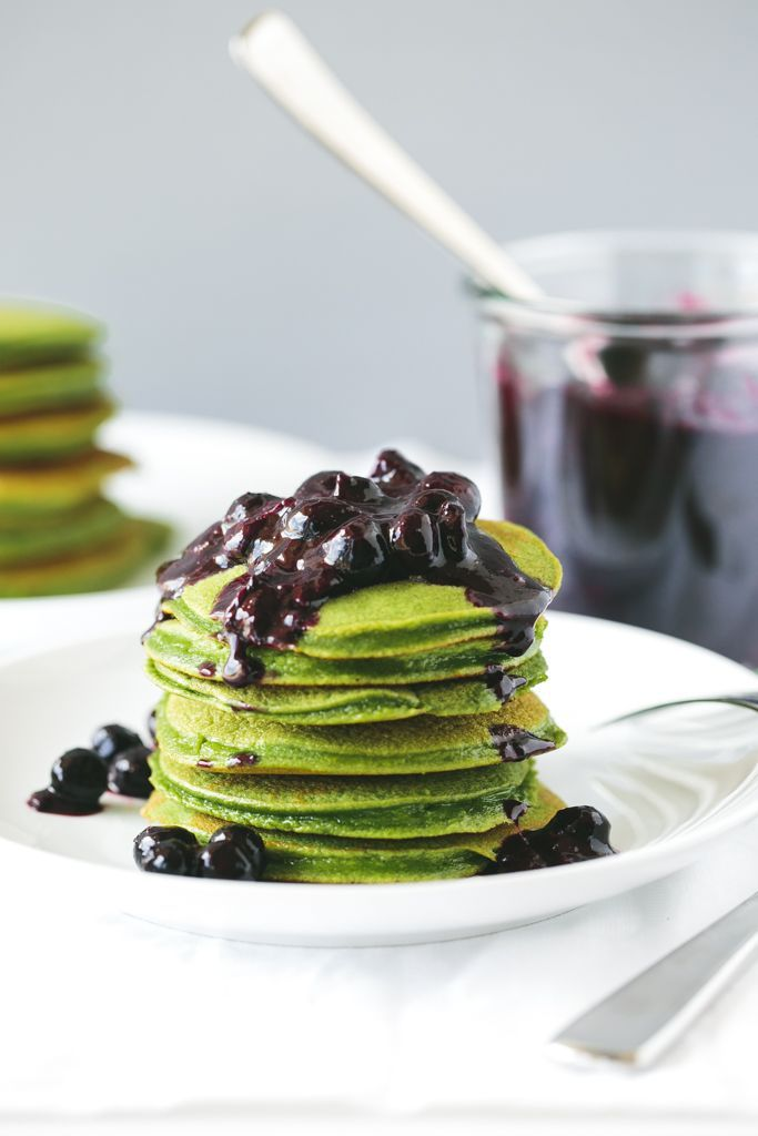 Green Smoothie Pancakes with Macerated Blueberries. Gluten-free, grain-free and paleo.