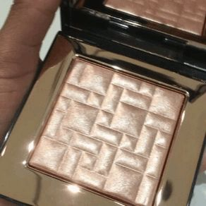 "cortney: "" Bobbi Brown's highlighter Afternoon Glow  """
