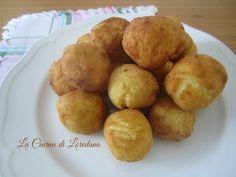 Un modo delizioso per preparare delle semplici patate: Patate delfino, piccole palline soffici e dorate di patate da mangiare in un solo boccone